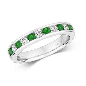18KT 5 Round 0.25ct 6 Emerald 0.35ct 3.20g