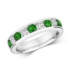 18KT 4 Round 0.51ct  5 Emerald 0.66ct 5.00g